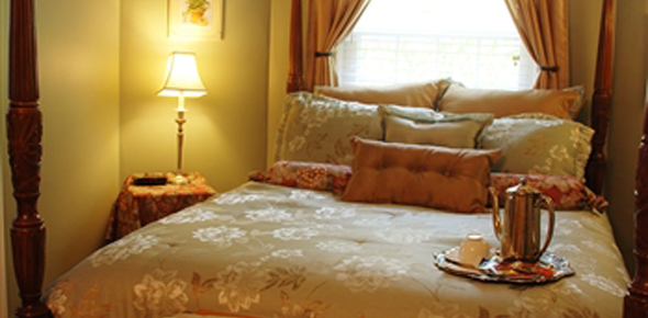 Gibsonville NC Bed & Breakfast Inn Guest Room - Room 204